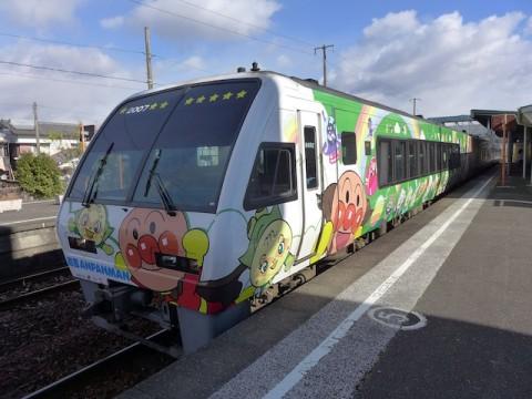 来た来た!緑色の列車!