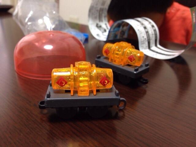 貨車だけってねえ。ひっぱる主役がいないと。